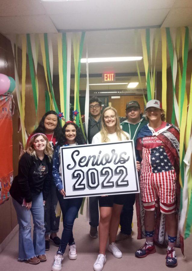 Some seniors posing in their decorated hallway. (front: Timber Burleson, Kimberly Cruz, Sayler Beerwinkle, Timothy Tanaro; back: Aubrey Deleon, Josh Samaron, Sam Alderson).